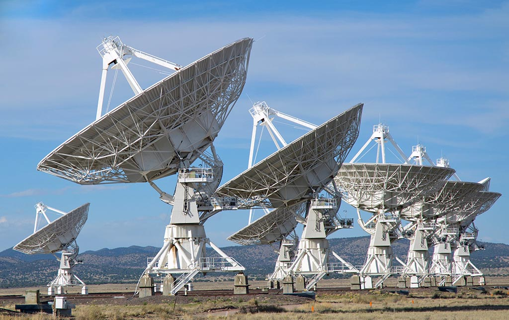 Large Array radio astronomy telescope dishes