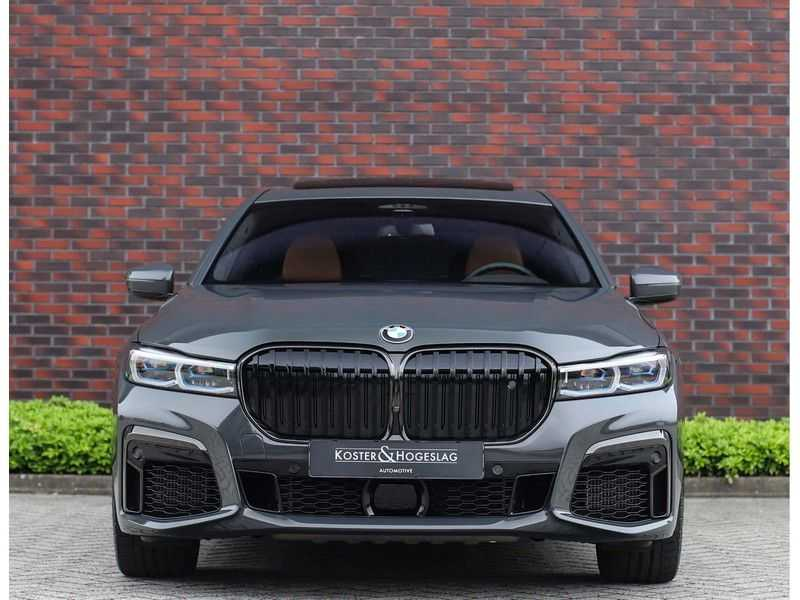 BMW 7 Serie M760Li xDrive *Dravit grey*Executive seats*Sky Lounge*Full option* afbeelding 10