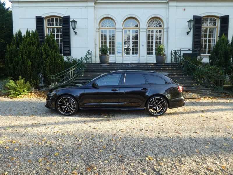 Audi RS6 Avant 4.0 TFSI Performance, Akrapovic afbeelding 15