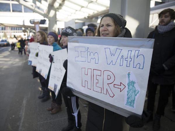 페어팩스는 새 이민정책을 반대한다