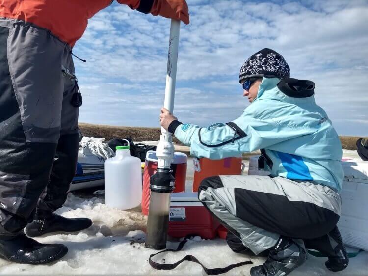 obtaining sediment core