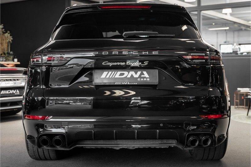 Porsche Cayenne Turbo S Hybrid Burmester Sport Design Sport Uitlaat 4.0 Turbo S E-Hybrid afbeelding 4