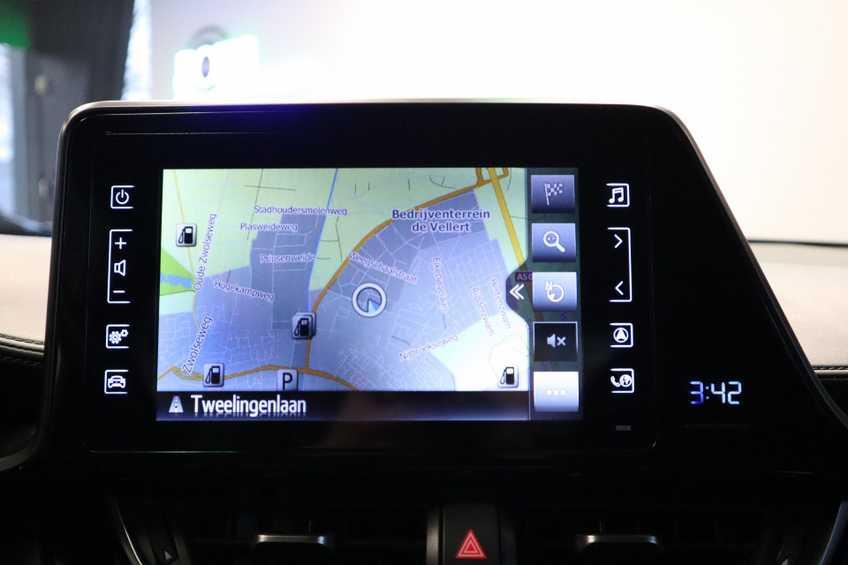 """Toyota C-HR 1.8 Hybrid Navigatie Camera 17""""LM afbeelding 8"""