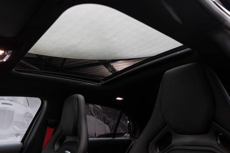 "Mercedes-Benz A-Klasse A35 AMG 306pk 4Matic AeroPack Panoramadak Nightpakket Schaalstoelen+Memory Widescreen Burmester AmbientLight Multibeam RideControl SuperSportStuur ComandOnline Full-Led 19"" Parktronic Camera Pdc afbeelding 5"