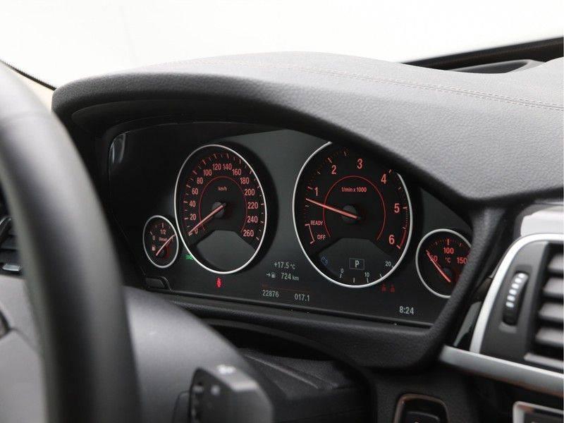 BMW 4 Serie Coupé 435d xDrive High Executive Model Sportline afbeelding 3