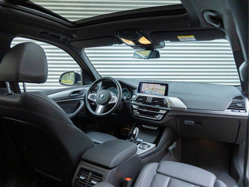 BMW X3 xDrive30i M-Sport - Trekhaak - ACC - Panorama - Head-up - Standkachel afbeelding 3