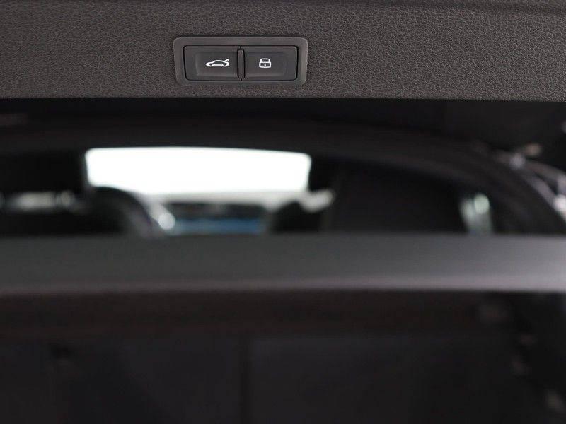 Audi Q3 Sportback 45 TFSI 230 pk quattro Pro Line S Edition | | 2x S line | 20 inch velgen | B&O Sound | Garantie tot 12-2024* | Adaptief demping systeem | 360 Camera | Navigatiesysteem | Adaptive cruise control | Voorstoelen elektrisch verstelbaar | afbeelding 25