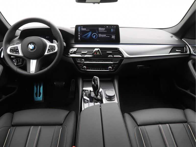 BMW 5 Serie 520e Sedan High Exe M-Sport Hybrid afbeelding 14