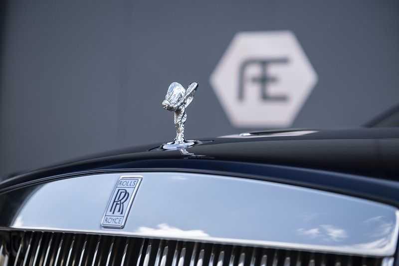 Rolls-Royce Dawn 6.6 V12 Adaptive Cruise Control + Head up + Gekoelde/Verwarmde stoelen + Nachtzicht + Rolls- Royce Signature + Interior Detailing Package + Exterior Detailing Package + Single Coachline + Wind deflec + Ultimate touring package +  Single coachline  +  Wind deflector  + Camera system + Lambswool floormats afbeelding 2