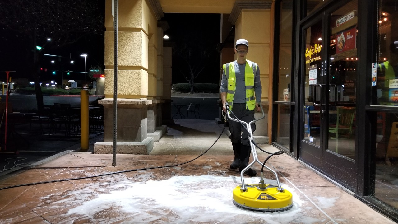pressure-washing-cafe-rio-storefront-and-siding--cleaning-16