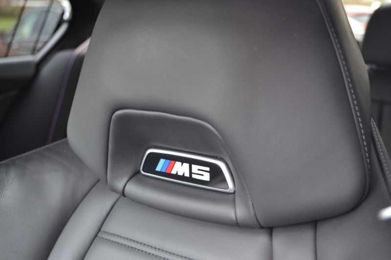 BMW M5 Schuifdak HK M Drivers Package M Stoelen afbeelding 4