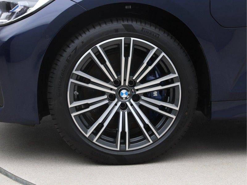 BMW 3 Serie 330Xe Touring High Exe M-Sport afbeelding 24