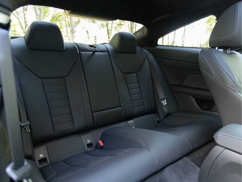 BMW 4 Serie Coupé M440i xDrive - High Executive - Dak - ACC - Harman Kardon afbeelding 18