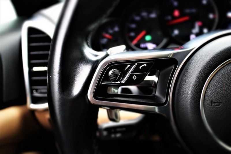 Porsche Cayenne 3.0 D Sport design  Porsche Approved Garantie Pano Lucht PDLS  afbeelding 18