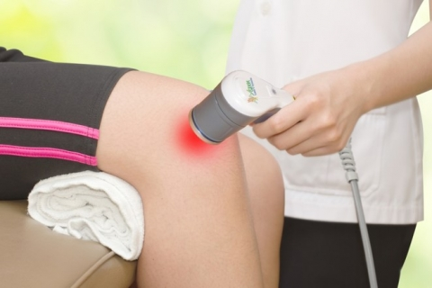 Knee therapy with high power laser.