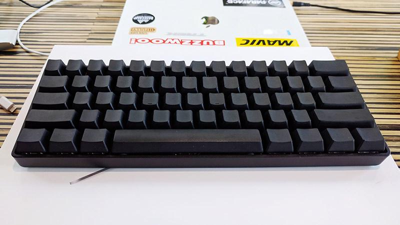 update: เมื่อใส่กับ blank PBT keycap สีดำ