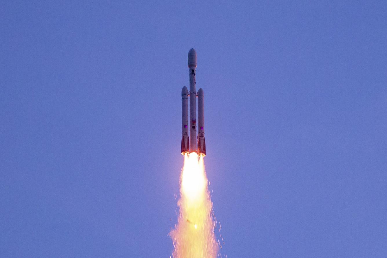 Falcon 9 replica