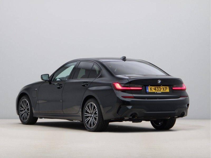 BMW 3 Serie 320e High Exe M-Sport Hybrid afbeelding 11
