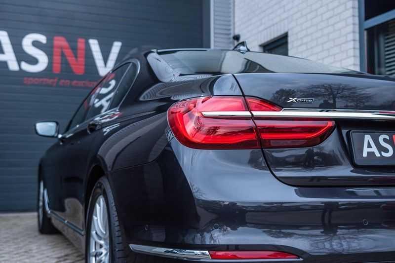 BMW 7 Serie 750i xDrive High Executive, 450 PK, Schuifdak, Gesture Control, Display/Key, Massage, Head/Up, Surround view, 56DKM!! afbeelding 22