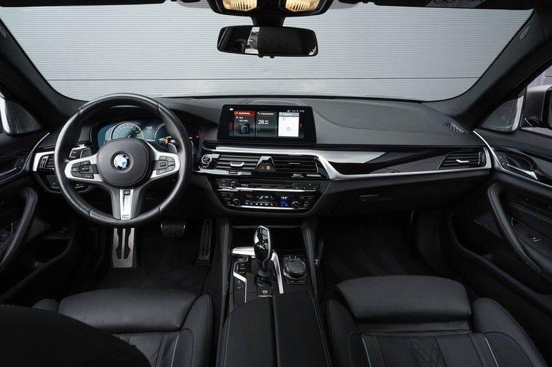"""BMW 5 Serie M550d X-Drive M-Pakket Shadow B&W Camera 360° Massage 20"""" afbeelding 2"""