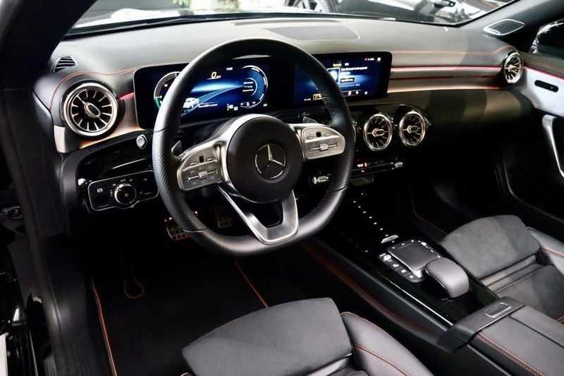 Mercedes-Benz CLA-Klasse 200 AMG Orange Edition PANO|Burmester|360cam|Sfeer afbeelding 13