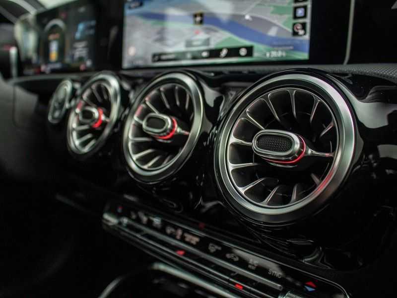 Mercedes-Benz A-Klasse A35 AMG 4MATIC Premium Plus afbeelding 18