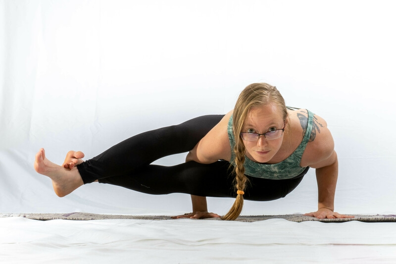 Yoga Core & Armbalance Focus (alle Level)