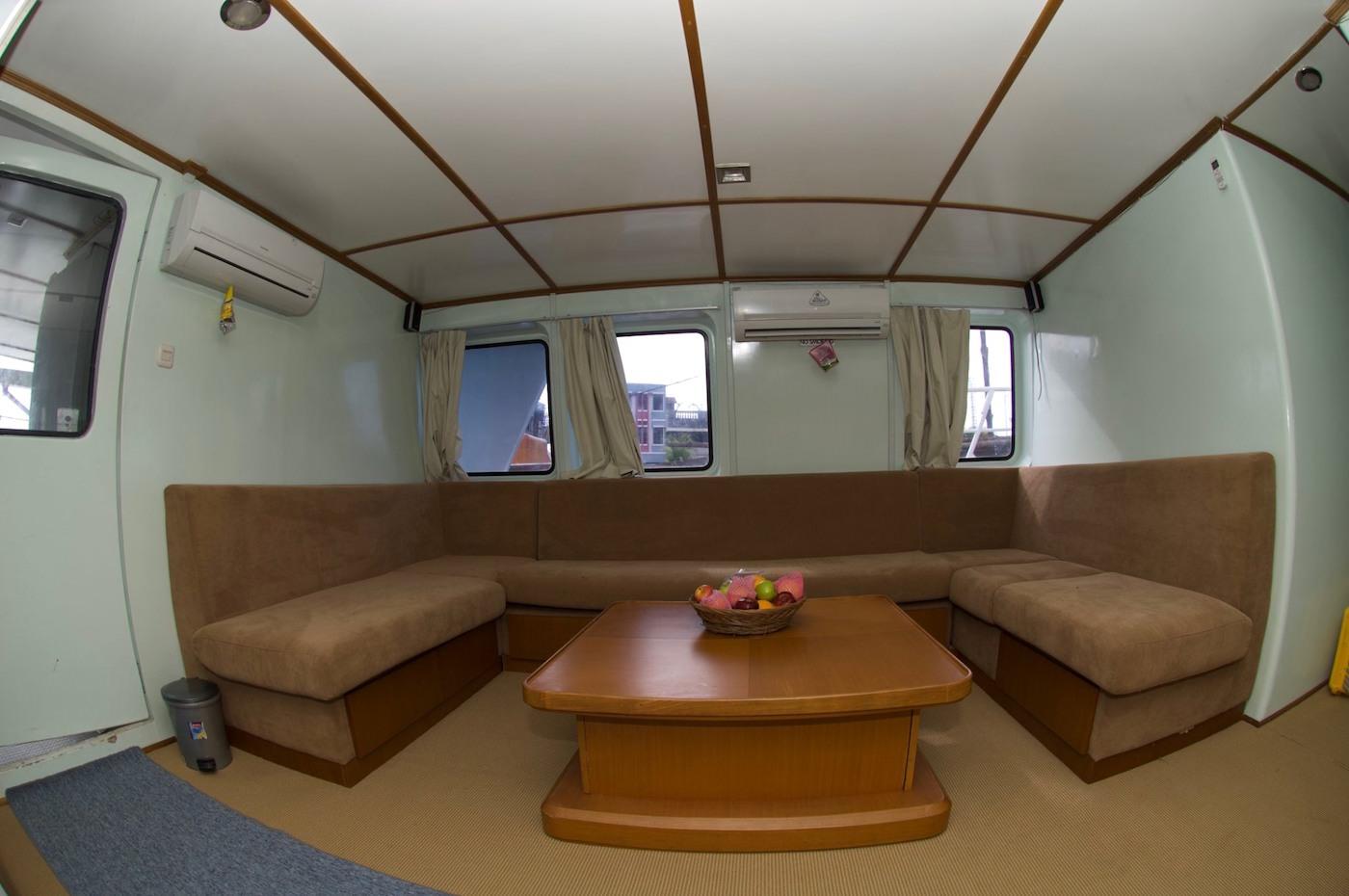 King Millenium 2 Surf Charter Catamaran Mentawai Telos Nias Lounge