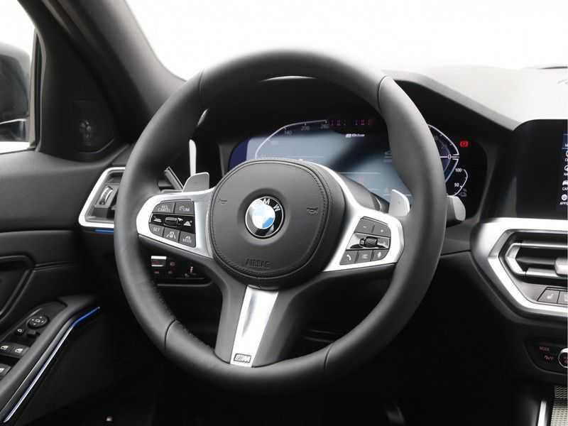 BMW 3 Serie 330e High Exe M-Sport Aut afbeelding 3