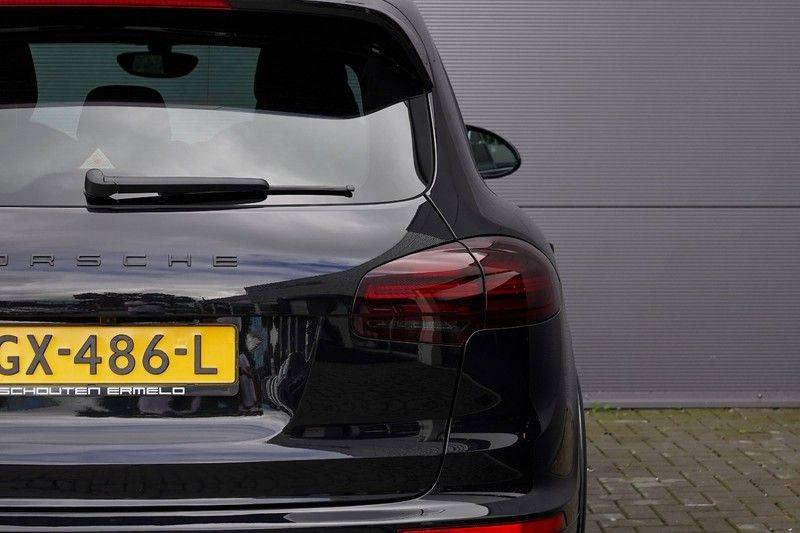 "Porsche Cayenne 3.0 D Facelift Luchtv. Pano Bose Sportchrono 21"" afbeelding 17"