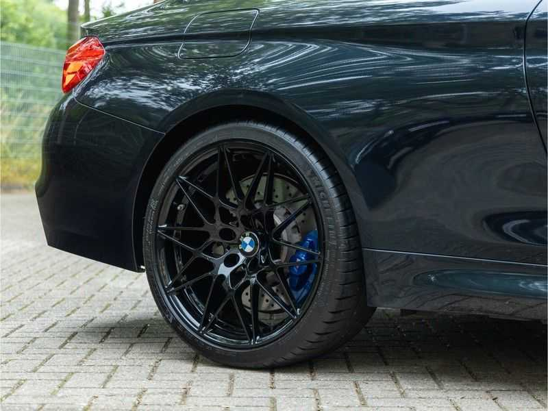 BMW 4 Serie Coupé M4 Competition - Individual afbeelding 3
