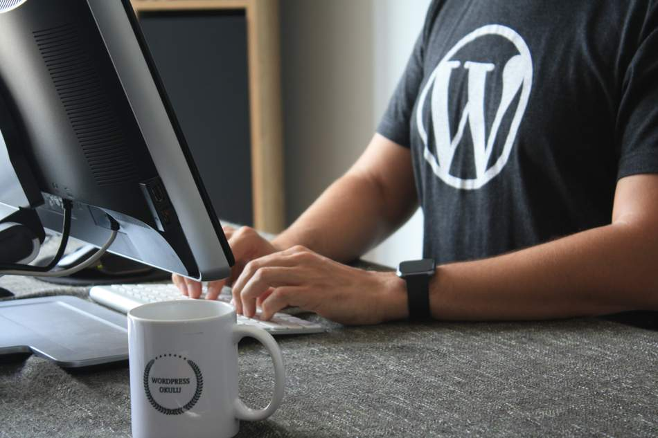 Is Shopify better than Woocommerce? Should you choose Woocommerce or Shopify. Is Shopify still the best for Ecommerce. Is WordPress good for Ecommerce.