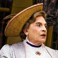 Suffolk Libraries Presents: David Suchet in The Importance of Being Earnest