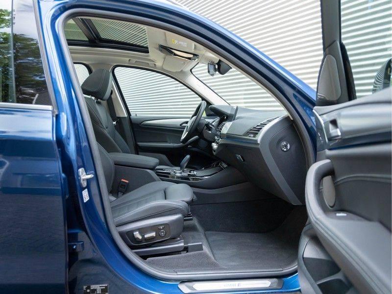 BMW iX3 High Executive - Direct Beschikbaar! afbeelding 18