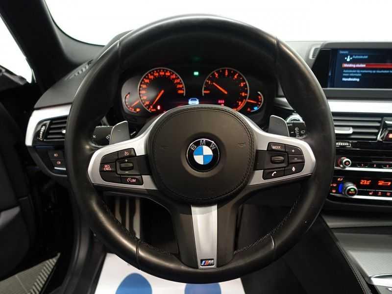 BMW 5 Serie Touring 520i High Exe 210pk M- Perfomance Powerkit- Pano, Leer, Full afbeelding 6