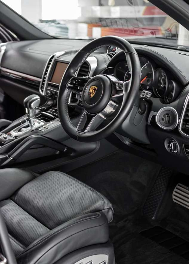Porsche cayenne car after exterior detailing