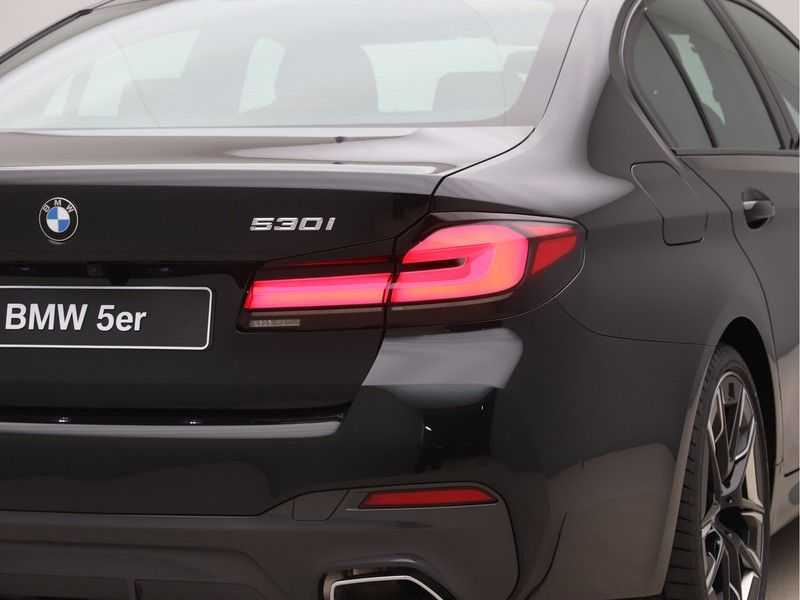 BMW 5 Serie 530i High Exe M-Sport afbeelding 16