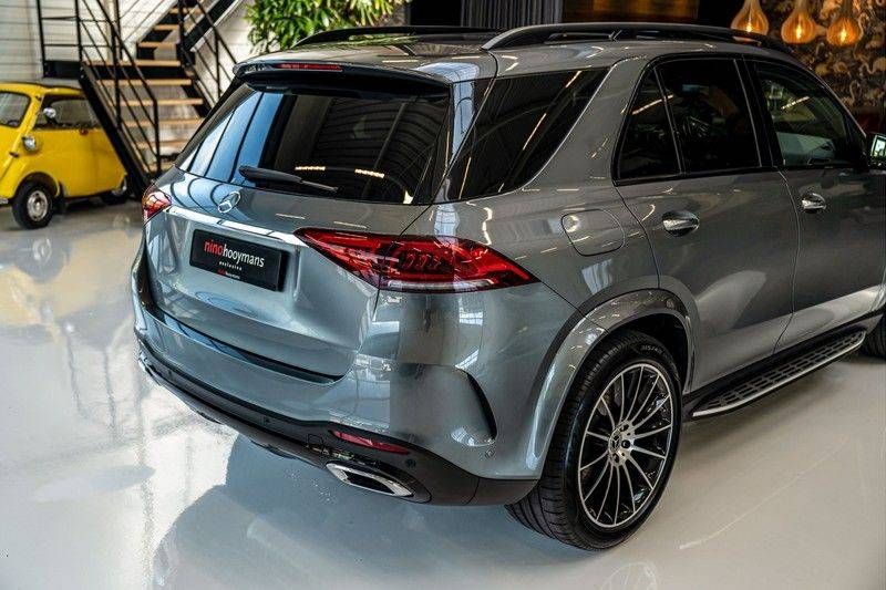 Mercedes-Benz GLE 450 4MATIC AMG   Panorama   Head-up Display   Memory   Burmester   Luchtvering   NP €140.000 afbeelding 5