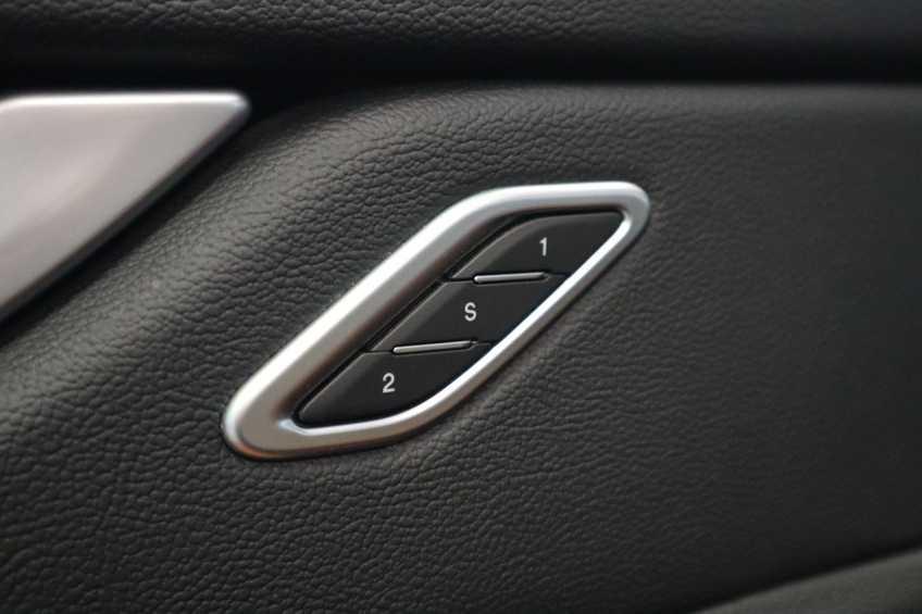 """Maserati Levante 3.0 V6 D AWD STARTECH UNIEK! Panoramadak Diamond Leder Xenon 21""""LM 275 PK! *tot 24 maanden garantie (*vraag naar de voorwaarden) afbeelding 33"""