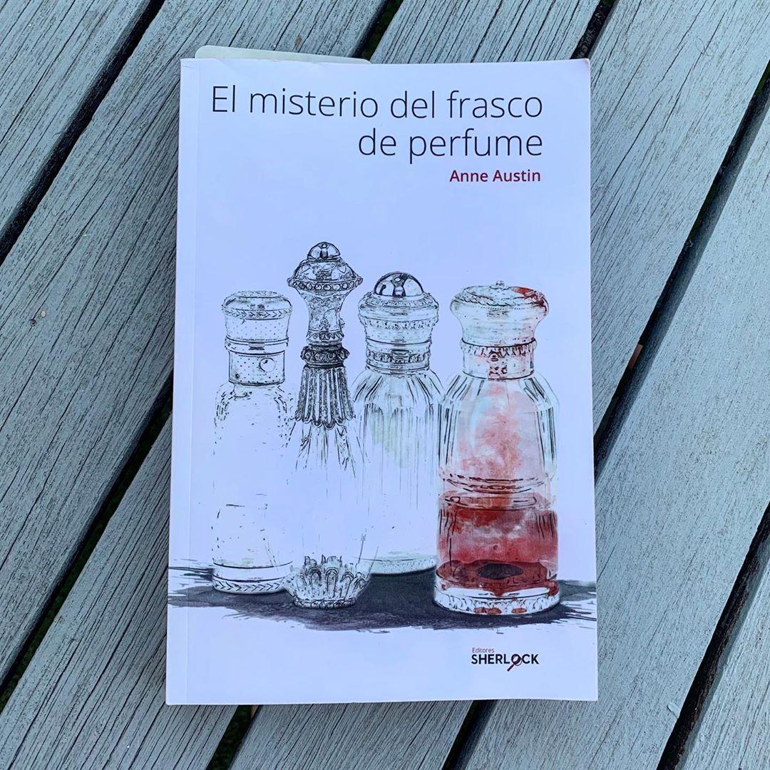 """Imagen de Reseña de """"El misterio del frasco de perfume"""", de Anne Austin"""