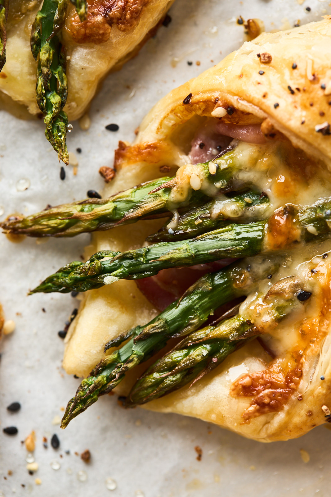Asparagus Ham and Cheese Puff Pastry Bundles