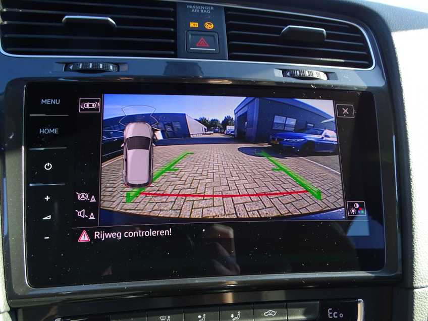 Volkswagen e-Golf e-Golf MARGE! LED Navigatie Clima Cruise Warmtepomp Virtual CP Camera afbeelding 18