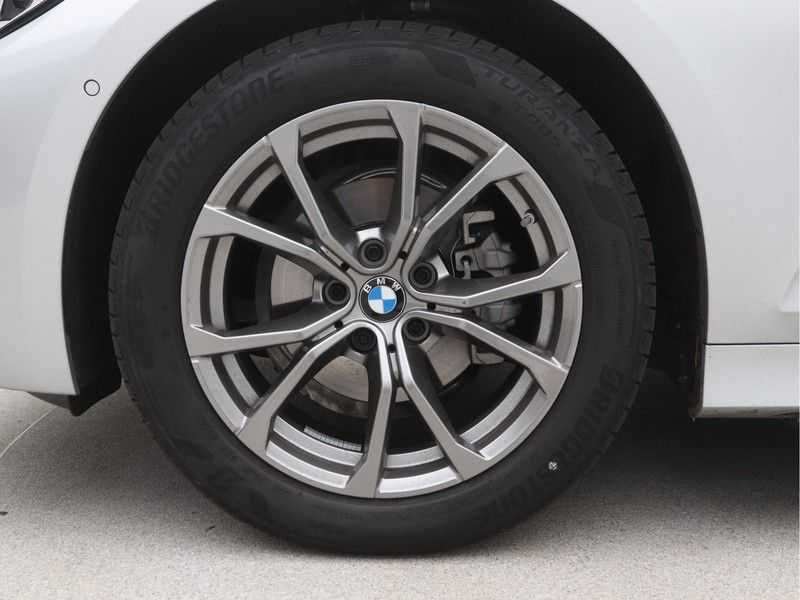 BMW 3 Serie Touring 318i High Executive Sport Line Automaat afbeelding 14