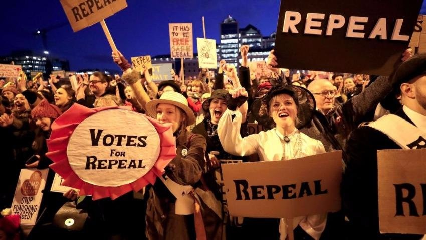 repeal-the-8th-safe-abortion-rights-Ireland