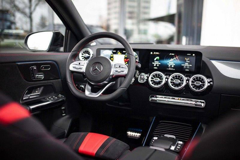 Mercedes-Benz GLA 200 AMG Line *Pano / HUD / Memorystoelen / 360 Cam / Burmester* afbeelding 4