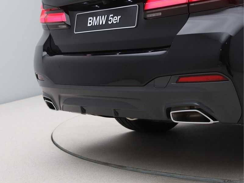 BMW 5 Serie 530i High Exe M-Sport afbeelding 18