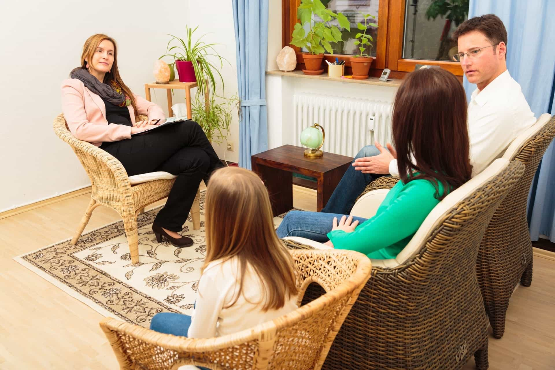 Family therapy to discuss co-parenting