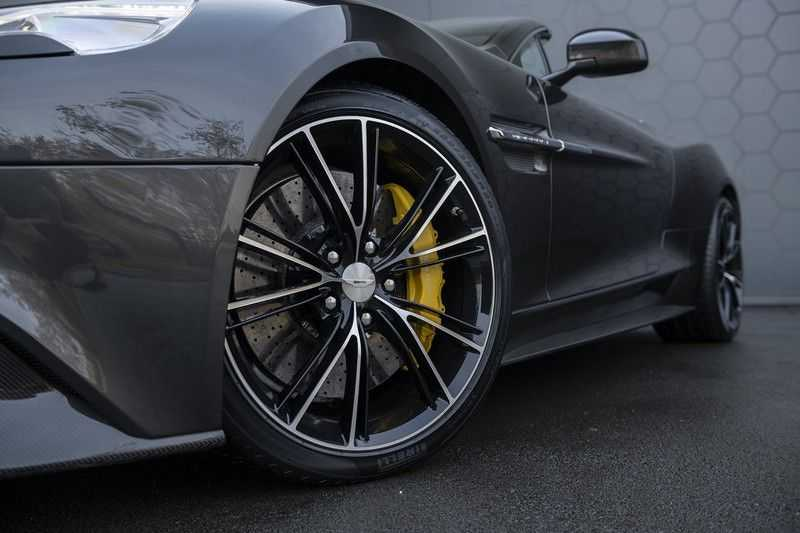 Aston Martin Vanquish Volante 6.0 V12 Touchtronic 2+2 1e eigenaar & NL Geleverd dealer onderhouden afbeelding 15