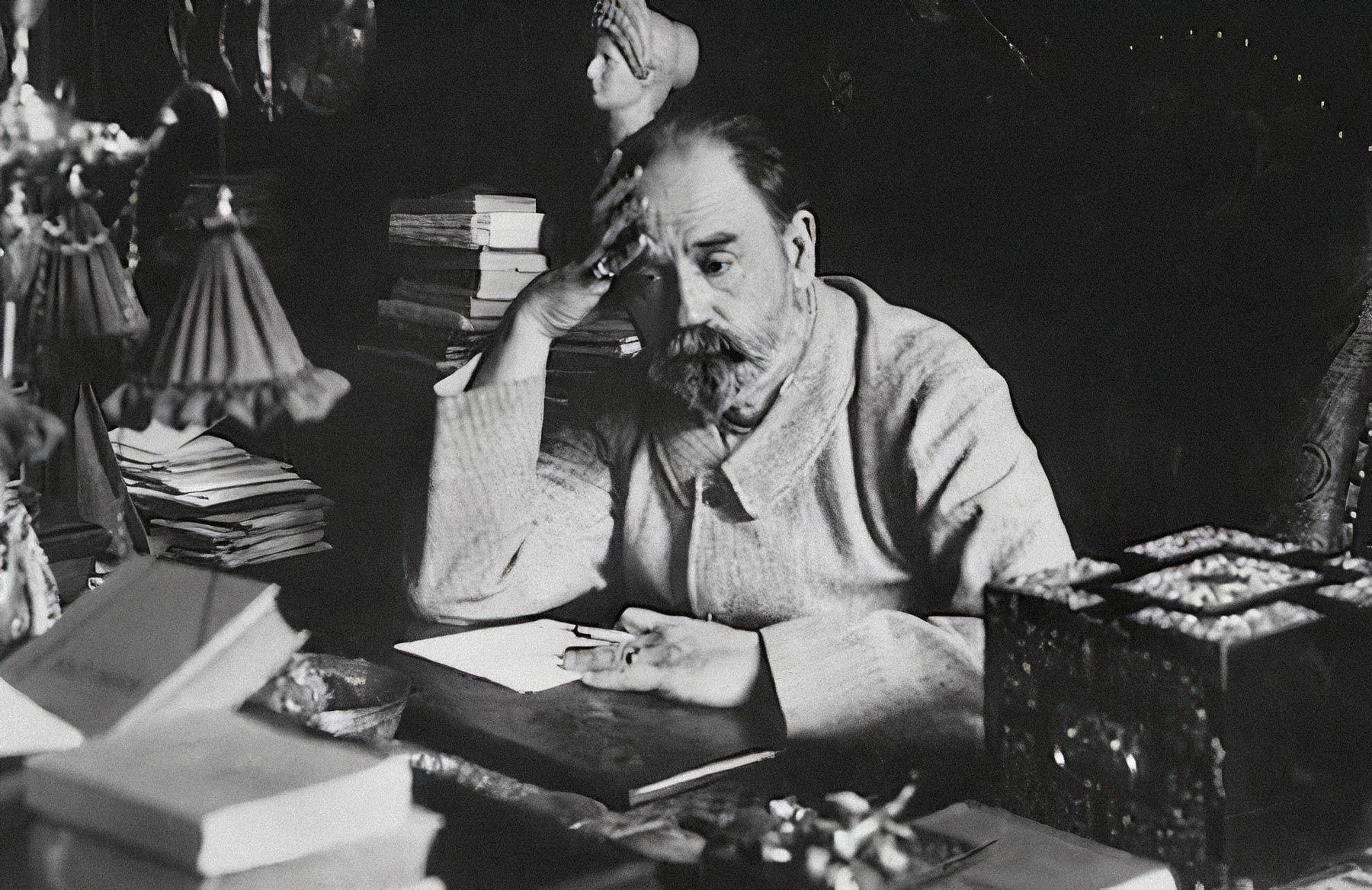 Эмиль Золя в своем кабинете. Фото: public domain