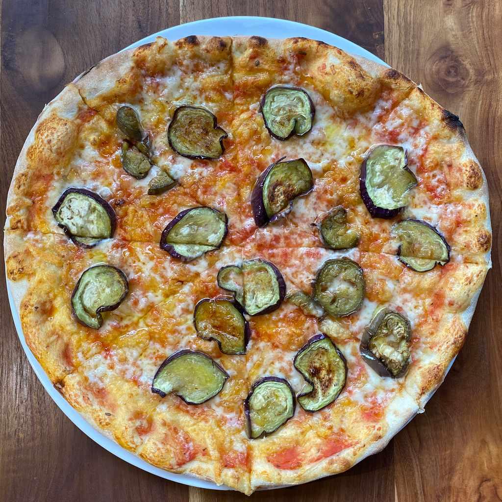 pizza: emiliana